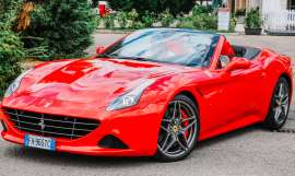 Test drive su strada Ferrari California Turbo HS